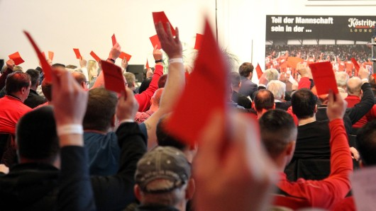 Mitgliederversammlung bei Rot-Weiß Erfurt: Möglicherweise können Fans und Mitglieder bald Aktien von RWE kaufen. (Archivfoto)