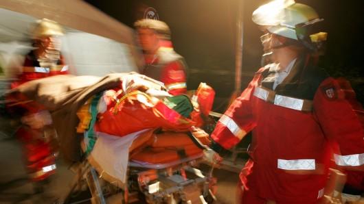 In Mühlhausen klagte ein 19-Jähriger über Atemnot - und griff dann die Rettungskräfte an. (Symbolbild)