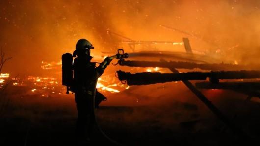 Fliegende Funken haben in Thüringen einen immensen Brand ausgelöst.