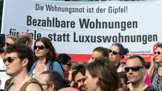 Viele Menschen sehen die steigenden Mieten in Metropolen mit Sorge. Auch in Erfurt und Jena gibt es Demos gegen den Mietenwahnsinn.