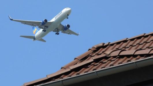 Über Erfurt kreiste am Wochenende ein Flugzeug. (Symbolfoto)