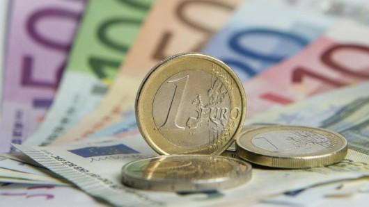 Eine Studie hat ergeben, dass der europäische Binnenmarkt jedes Jahr Hunderte Euro bringt, pro Person.