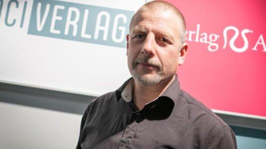 Der ehemalige AfD-Vorsitzende Bernd Lucke hält den rechten Verleger Götz Kubitschek für den wichtigsten Strippenzieher im rechtsnationalen Flügel der AfD.