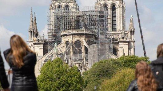 850 Millionen Euro Spenden sind versprochen – doch kommen die auch wirklich für den Wiederaufbau zusammen?