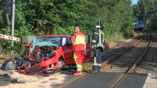 Ein schrecklicher Unfall hat sich auf der Bahnstrecke zwischen Erfurt und Sangerhausen ereignet.
