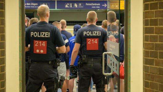 Fans von Carl Zeiss Jena sind am Hauptbahnhof Gera übel attackiert worden.
