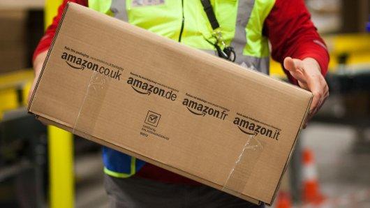 Dass die Klingel eines Gebäudes nicht funktionierte, brachte einen Amazon-Zusteller offensichtlich zur Weißglut. (Symbolfoto)