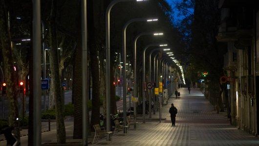 Spanien: Trotz Ausgangssperre verließ der Mann aus einem irren Grund seine Wohnung. (Symbolbild)