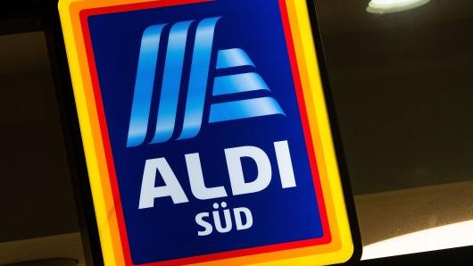 Aldi Süd nimmt zahlreiche Artikel aus den Regalen. (Symbolbild)
