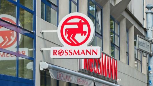 """Rossmann ruft ein Produkt der Marke """"Babydream"""" zurück."""