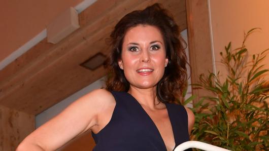 """""""Frühstücksfernsehen""""-Star Vanessa Blumhagen zeigt sich besonders sexy am Pool."""