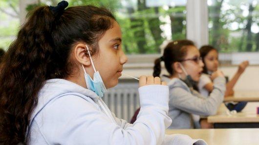 Corona in Weimar: Das Ergebnis von Lolli-Tests an einer Schule sorgt für Beunruhigung. (Symbolbild)