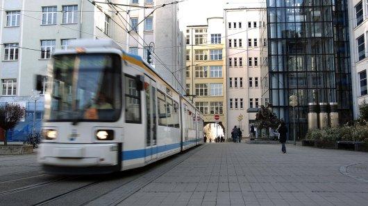 In Jena hat es einen Unfall mit einer Straßenbahn gegeben.