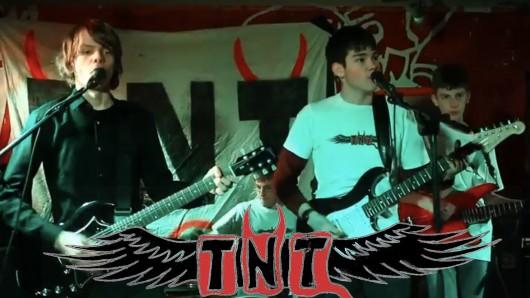 Die vier Jungs aus Jena begannen mit Coversongs alter Rock-Legenden und arbeiteten sich Schritt für Schritt zum eigenen Studioalbum hoch.