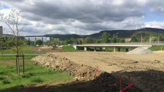 Die Erlanger Allee in Jena bekommt eine neue Brücke über die Stadtrodaer Straße (B88) in Lobeda. Zunächst wird eine Behelfsbrücke errichtet.