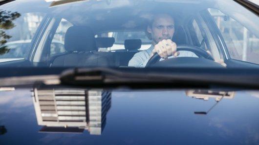 Ein Mann ist mit dem Auto durch Jena gefahren und hat etwas Merkwürdiges erlebt...(Symbolbild)
