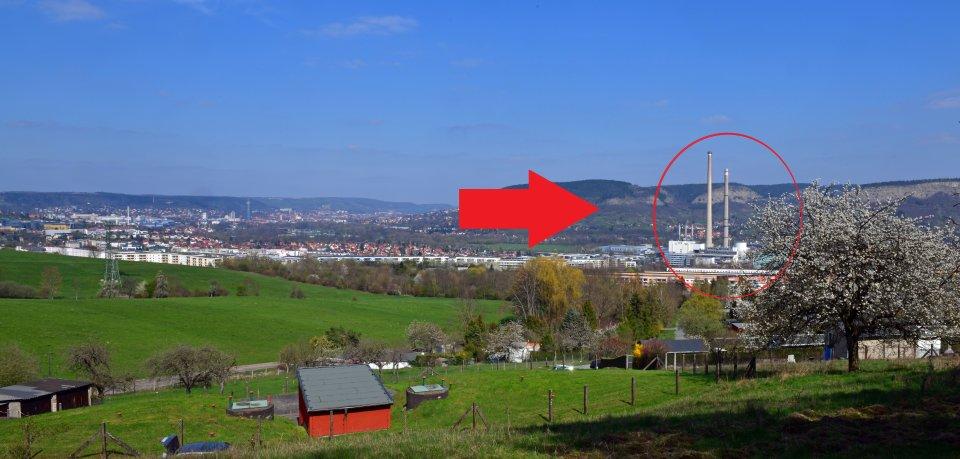 Das Gedicht ist dem 225 Meter hohen Schornstein gewidmet, der schon Ende August nicht mehr zum Stadtbild gehören wird.