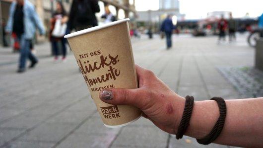Die Polizei Jena warnt vor Frauen in der Innenstadt, die für vermeintlich gemeinnützige Einrichtungen Geld sammeln. (Symbolbild)