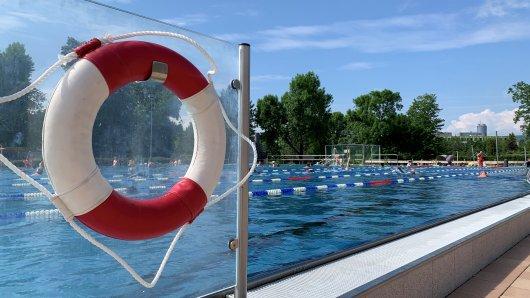 Jena startet in die Freibadsaison! SIE haben besonderen Grund zur Freude.