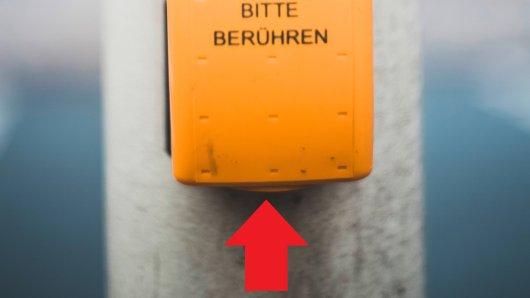 Viele kennen ihn. Weißt du, welchen Sinn der versteckte Knopf unter dem Schalter hat?