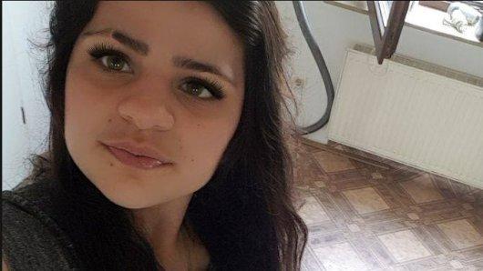 Die Polizei veröffentlichte zwei Bilder der Vermissten und hofft auf Hinweise durch mögliche Zeugen.