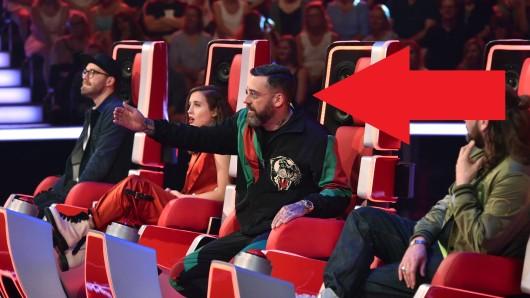 """""""The Voice of Germany"""": Sido kann nicht glauben, wen er auf der Bühne sieht."""