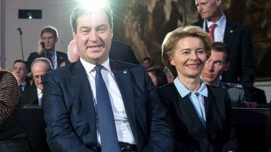 Markus Söder (l.) gratuliert Ursula von der Leyen zum Amt der EU-Kommissionspräsidentin.