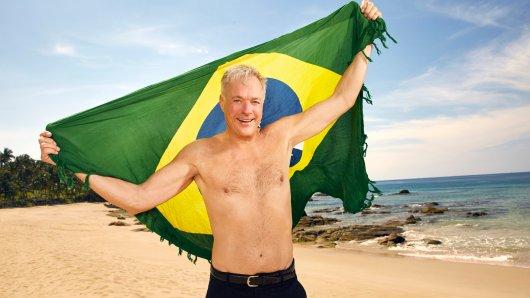 Ronald Schill am Strand von 'Promis unter Palmen'.