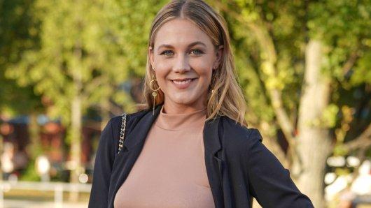 Sat.1-Moderatorin Alina Merkau hält es einfach nicht mehr aus.