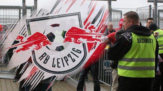 Bei RB Leipzig ergriffen Ordner eine drastische Maßnahme (Symbolbild).