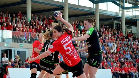 Beim Heimspiel gegen den TV Nellingen ließ der Thüringer Handballclub nichts anbrennen.
