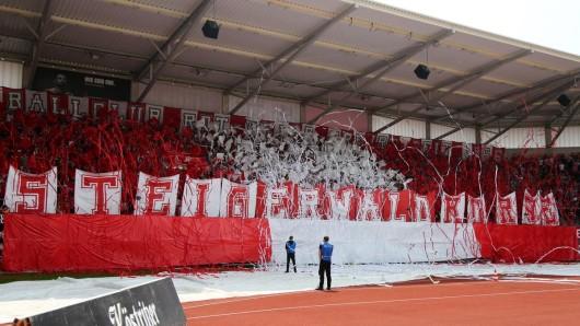 Auch in Zukunft spielt Rot-Weiß Erfurt in der Regionalliga Nordost.