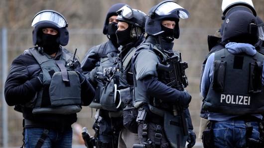 Beamte des Spezialeinsatzkommandos (SEK) der Polizei. (Archivfoto)