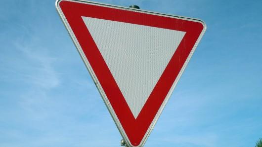 Ein Vorfahrtsfehler hat in Thüringen zu einem schweren Unfall geführt.