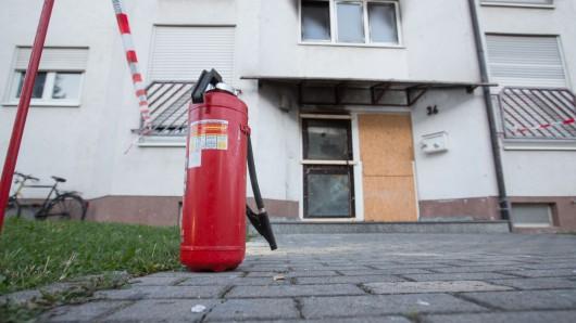 Einen Brand fand die Feuerwehr in Eisenach nicht, aber dafür Spuren einer Explosion. Sollte eine Tür aufgesprengt werden? (Symbolfoto)
