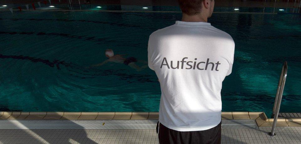 Die Schwimmhalle in Jena-Lobeda wurde gesperrt. (Symbolfoto)