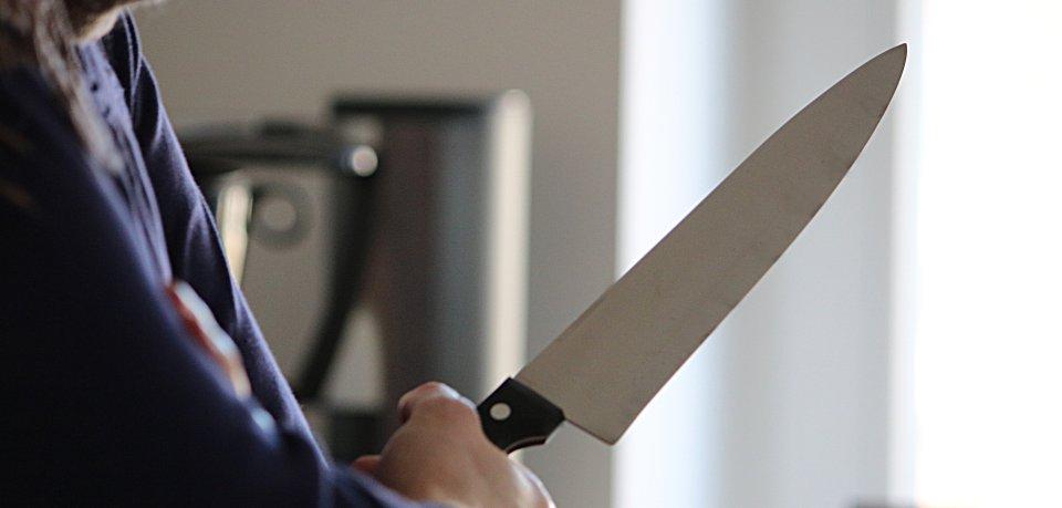 In Rudolstadt ist ein 29 Jahre alter Mann mit einem Küchengerät schwer verletzt worden. (Symbolbild)