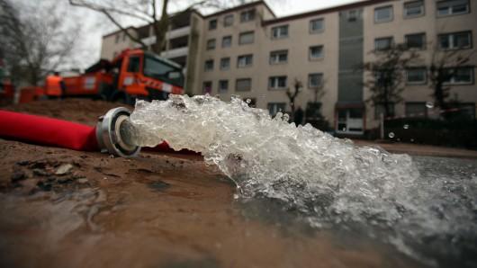 In Jena-Lobeda ist eine Hauptwasserleitung gebrochen. Danach kam vielfach trübes oder gar ein Wasser aus dem Hahn. (Symbolfoto)