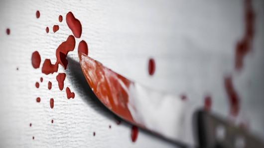 Ein blutiges Messer. (Symbolfoto)