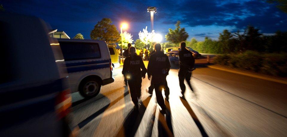 Im Kyffhäuserkreis hat die Bundespolizei Wohnung einer Schleusergruppe durchsucht und belastendes Beweismaterial sichergestellt. (Symbolbild)