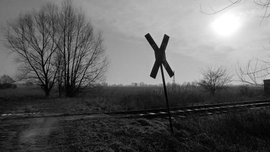 In Sachsen-Anhalt ist es am Rande einer Abi-Feier zu einem tödlichen Zugunglück gekommen. (Symbolbild)