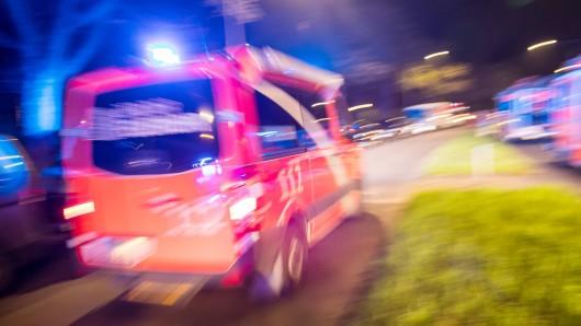 Eine Explosion in Arnstadt in Thüringen hat die Feuerwehr auf den Plan gerufen.