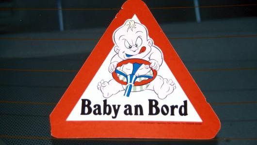 Bei einem Auffahrunfall zwischen Mühlhausen und Ammen ist ein elf Monate altes Kind verletzt worden. (Symbolbild)