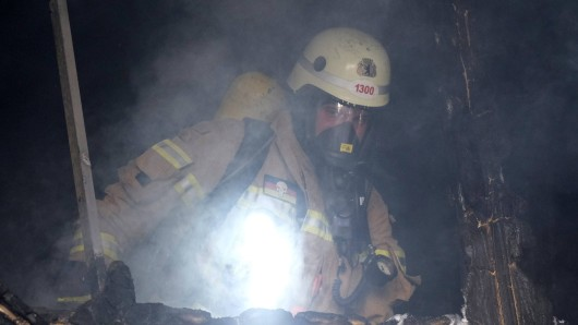 In Lengefeld, einem Ortsteil von Anrode in Thüringen, hat ein Brand ein Sportlerheim zerstört.