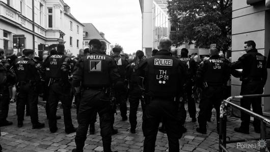 Acht Polizisten wurden laut eigener Angaben bei den Ausschreitungen in Apolda verletzt.