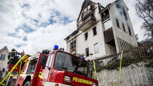 In einem Obdachlosen-Heim in Mühlhausen ist ein Feuer ausgebrochen. Eine Wohnung bleibt zunächst unbewohnbar. (Symbolbild)
