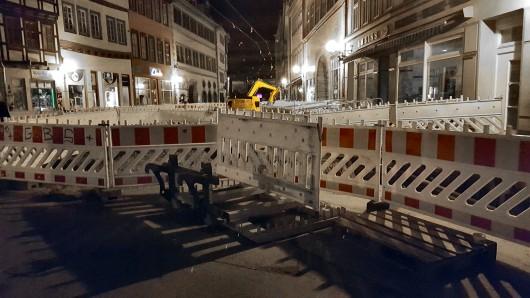 Ein halbes Jahr lang war der Straßenbahnverkehr auf der Marktstraße, die einzige Direktverbindung zwischen Dom und Anger, brachgelegt.