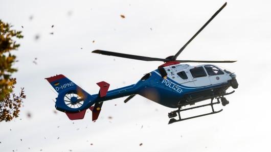 Nach einer Explosion in Arnstadt in Thüringen kam ein Hubschrauber der Polizei zum Einsatz.