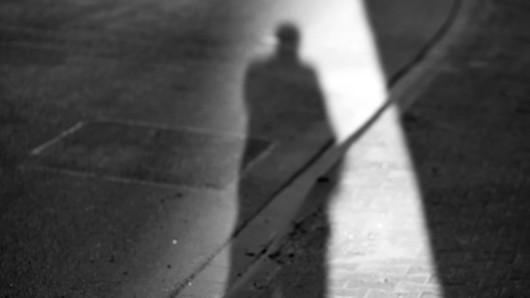 Eine ältere Frau fiel in Jena einem Unbekannten zum Opfer - sie konnte ihn aber nicht sehen. (Symbolbild)