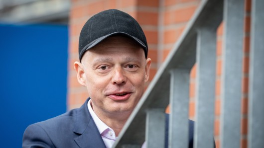 """""""Mein Arzt ist sozusagen mein Friseur"""", sagte Mike Mohring, als er seinen Krebs der Öffentlichkeit in Thüringen bekannt gab. Seither sah man ihn meist mit Mütze oder Kappe auf dem Kopf."""